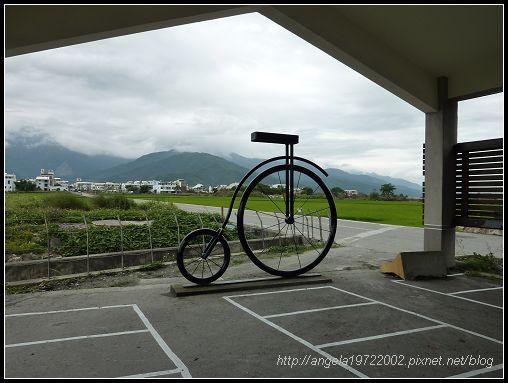 472大坡池前的腳踏車.jpg
