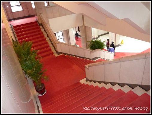 29大廳的樓梯.JPG