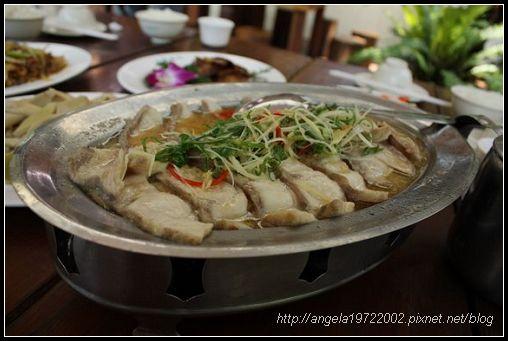 03鱘龍魚餐.jpg