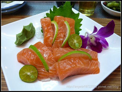 07鮭魚生魚片.jpg