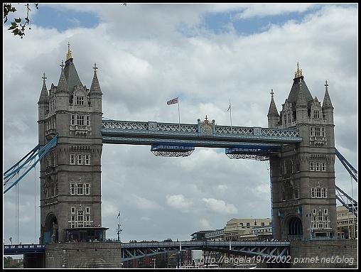 2-London Tower07.jpg