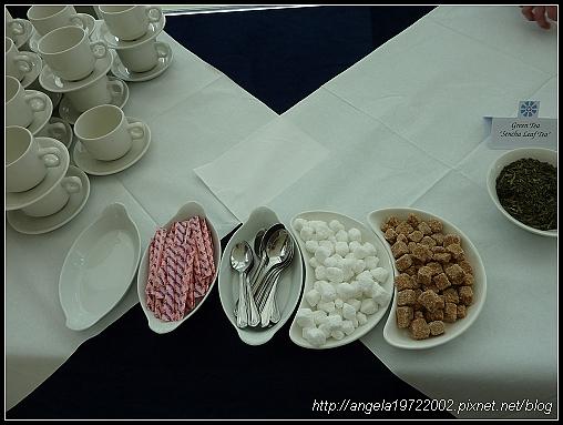 3-Teatime02.jpg
