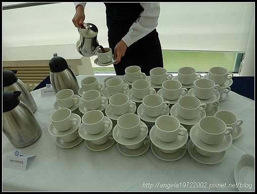 3-Teatime01.jpg