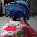 毯子是媽咪當小寶寶的時候蓋過的喔