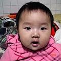 小少女的拍照重點有抓到.嘴巴要微開.可是柔柔你好像開太大了