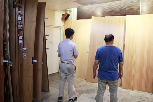 連設計師和裝潢工班都跑過來挑選KD木地板.jpg