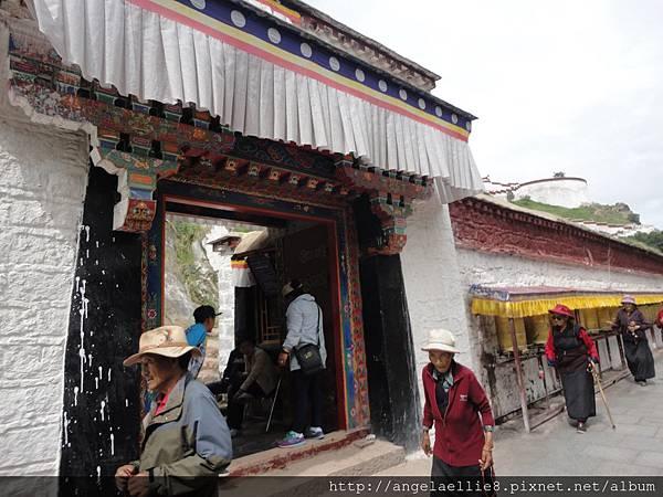Budala Palace Exit