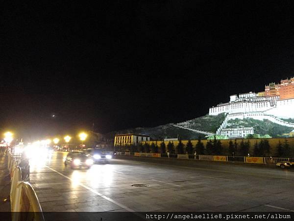 布達拉宮夜景