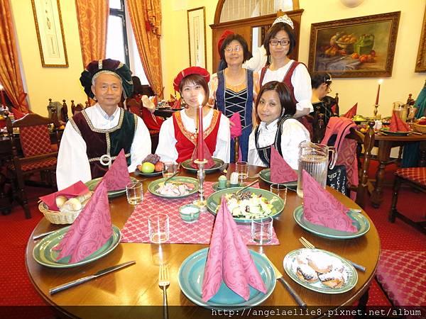 Hotel Ruze中古騎士餐