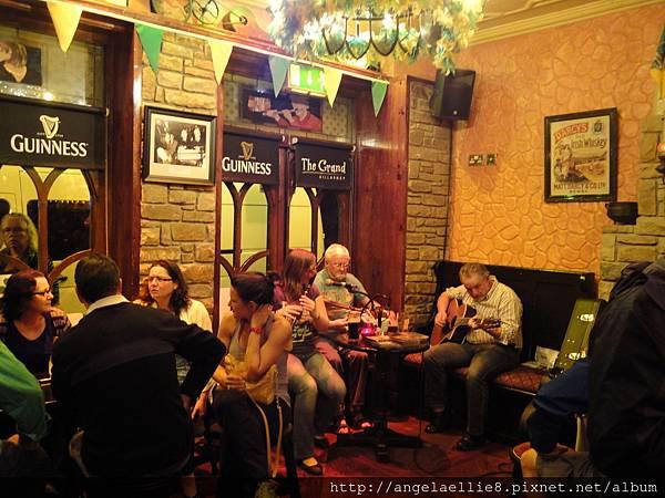 Killarney Free Pub