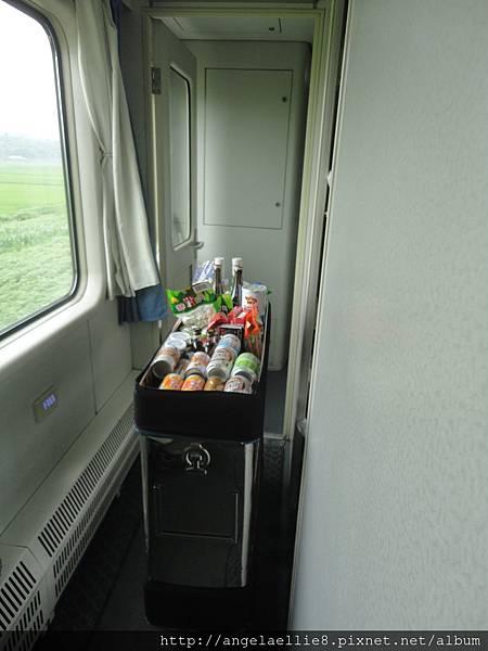 丹東平壤火車上一隅