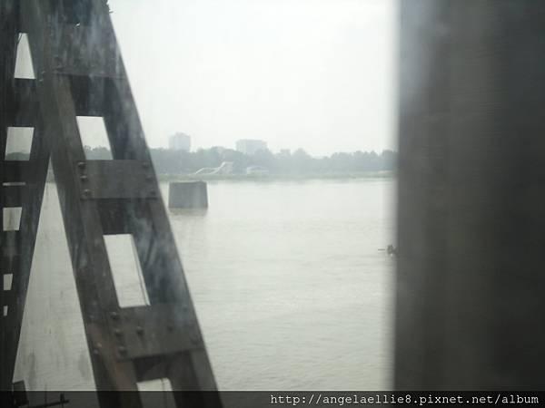 鴨綠江丹東新義州斷橋橋墩