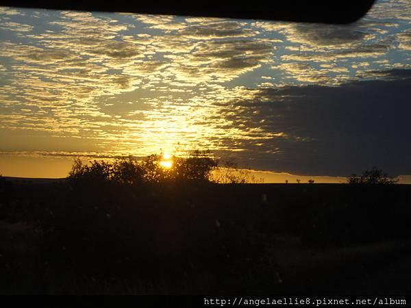 Morondava -  Antananarivo dawn