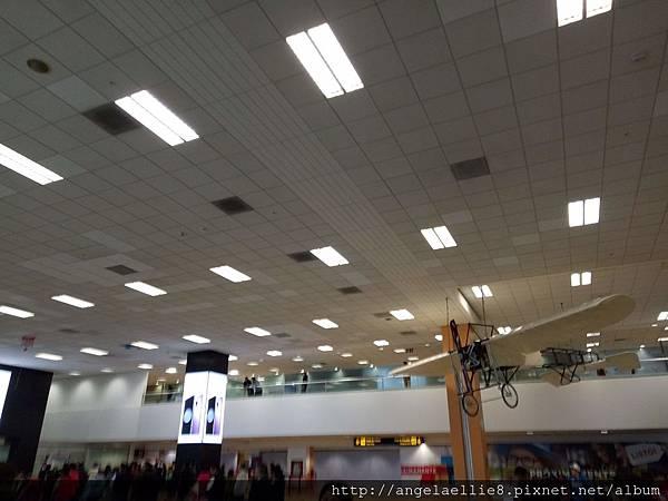 Lima airport.jpg