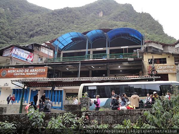 Aguas Calientes central market%2Fbus station