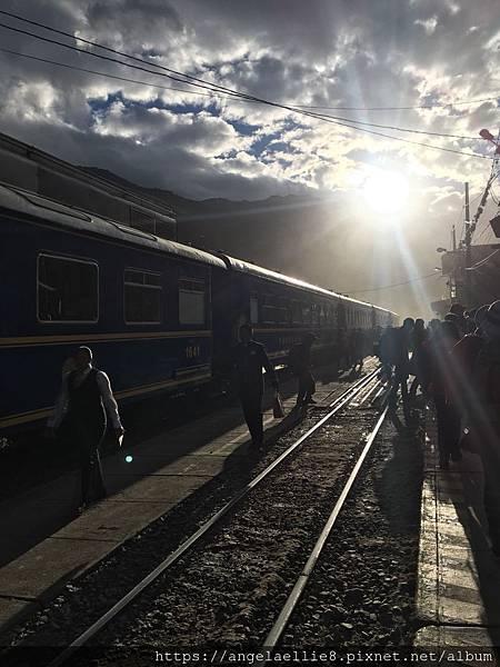 Peru Rail Ollantaytambo.jpg