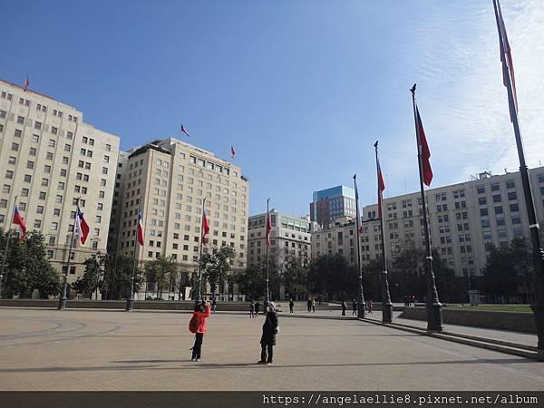 拉莫內達宮前廣場