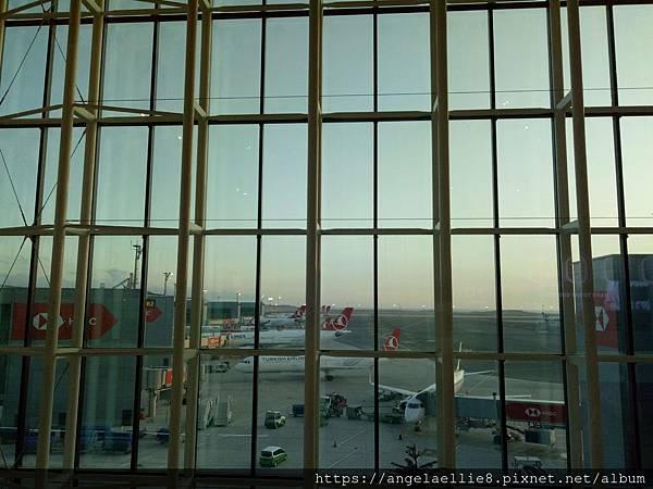 Istanbul airport 1.jpg