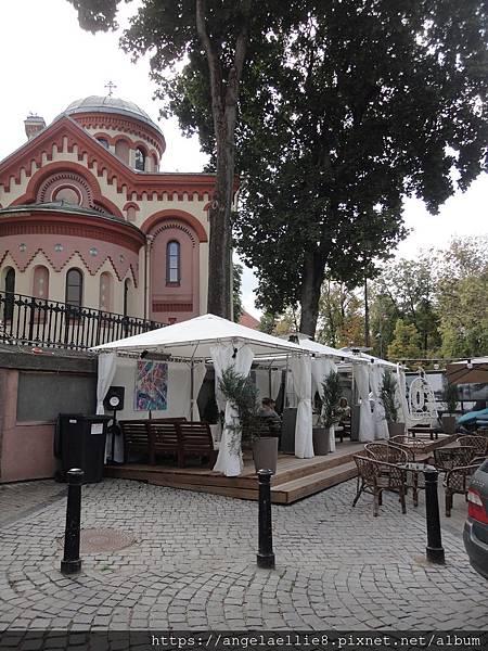 聖帊拉斯克娃教堂後方