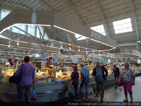 Riga Central Market 6.jpg