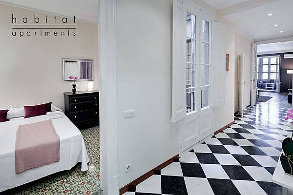 lauria-apartment-2a-barcelona-tiles-a.jpg