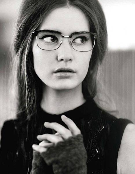 women-hipster-glasses-6-630x810