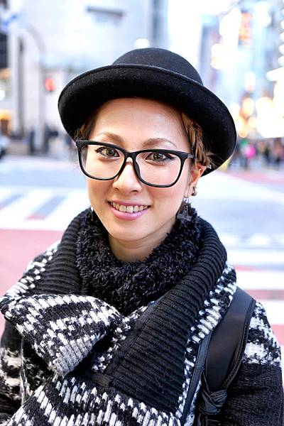 women-hipster-glasses-9-630x945