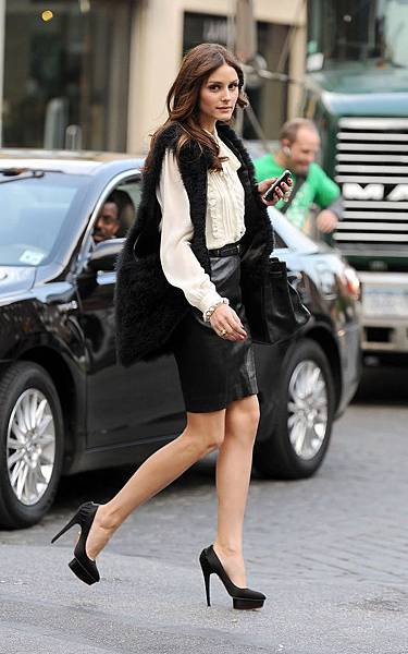 olivia-palermo-pencil-skirt (1)