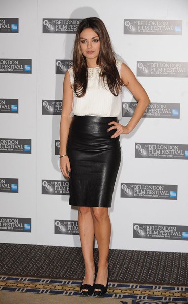 Mila-Kunis-Leather-Skirt