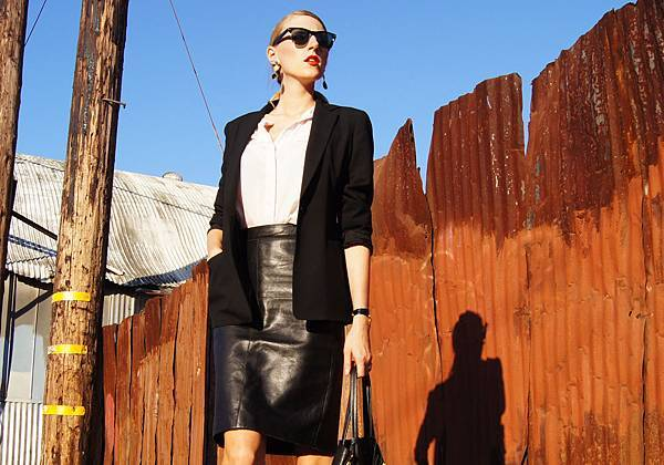 7-26-leather-pencil-skirt-e