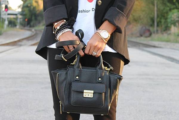 3.1-phillip-lim-for-target-mini-Satchel-with-Gusset-black-3.1-phillip-lim-pashli-satchel-mini-caravelle-by-bulova-rose-gold-watch-black-and-gold-outfit-gold-bangle-accessories (733x489)