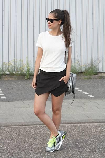 Outfit-nike-air-max-zara-black-skort-fashion-land