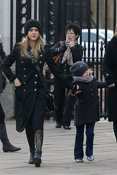 Could-Jessica-Alba-military-inspired-London-look-get-any-chicer-We-love-long-double-breasted-Ferragamo-coat-black-ankle-boots-knit-beanie