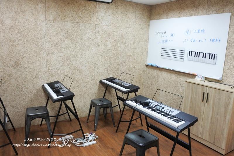Casio魔光電子琴8