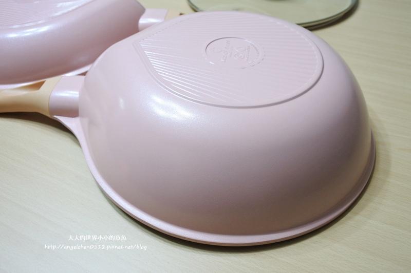 瑞士百年品牌粉貝殼不沾鍋三鍋六件組7