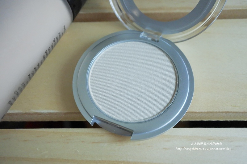 水噹噹持久粉底液+珠光透明粉餅旅用型8