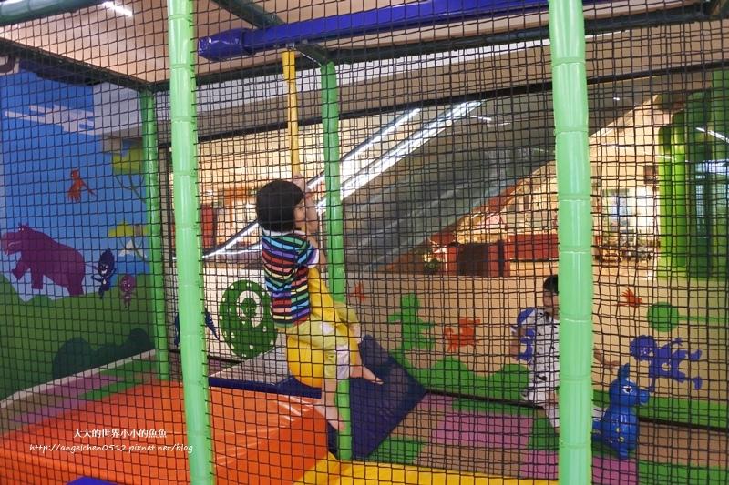 松山區親子餐廳 京華城  跳跳蛙親子運動餐廳12