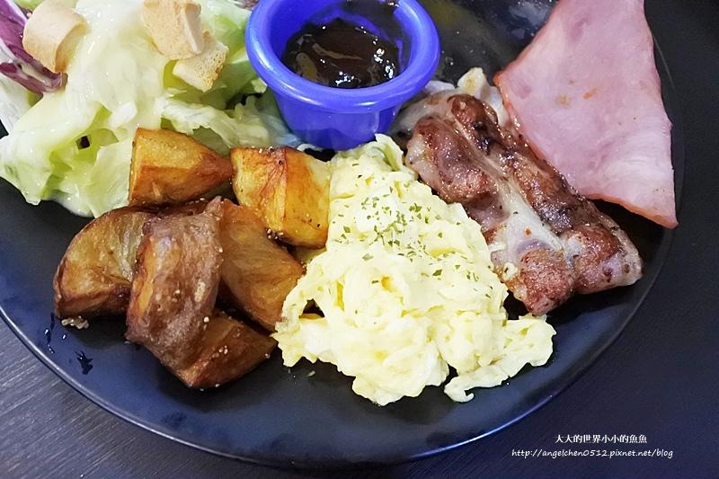 晴光商圈早午餐美式餐廳 聚餐 奇點+早午餐  雙城街美食16