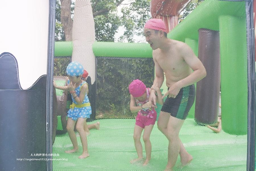 4桃園龍潭親子玩水一日遊小人國主題樂園~遊遍全世界、轟浪水樂園、恐龍親水廣場 玩水節