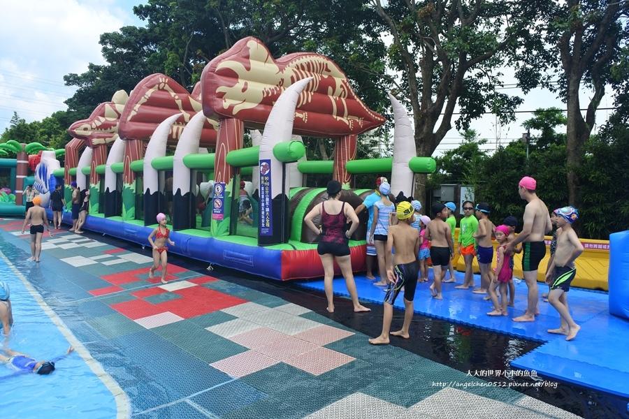 3桃園龍潭親子玩水一日遊小人國主題樂園~遊遍全世界、轟浪水樂園、恐龍親水廣場 玩水節