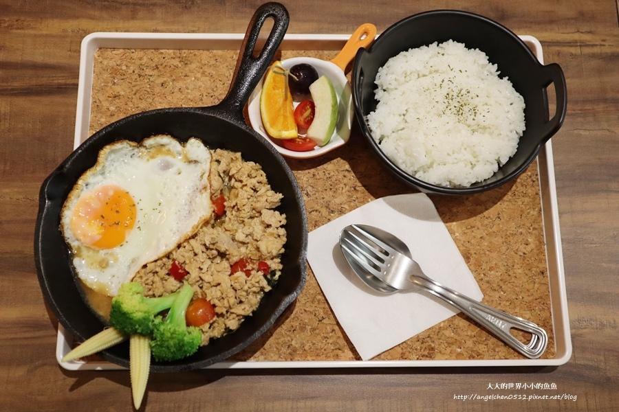 璐露野生活 LULUYELIFE CAFE11