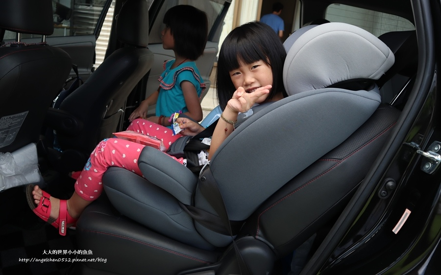 YODA優的寶貝 成長型兒童安全座椅9