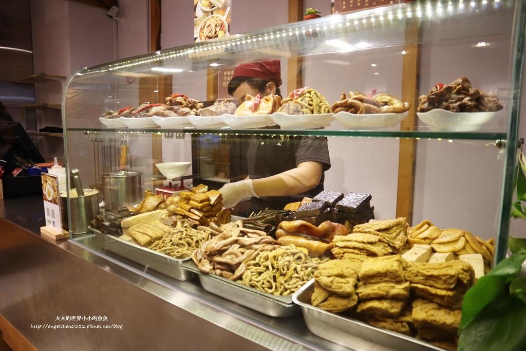 中和美食 新北米其林推薦 Taipei Michelin guide 雙月食品社中和店 養生 雞湯 東石鮮蚵必點  遠東世紀廣場對面 台北米其林小吃餐廳8