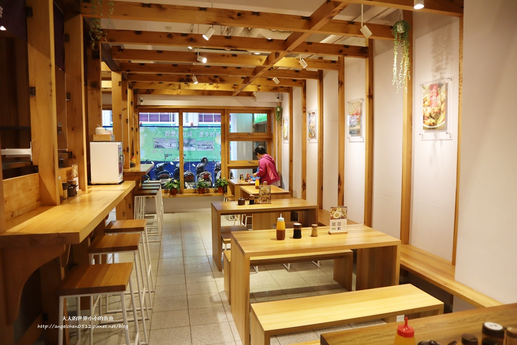 中和美食 新北米其林推薦 Taipei Michelin guide 雙月食品社中和店 養生 雞湯 東石鮮蚵必點  遠東世紀廣場對面 台北米其林小吃餐廳7