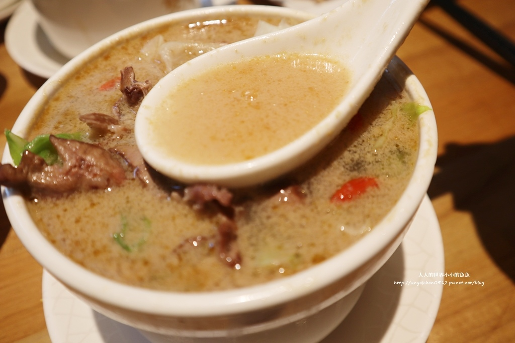 中和美食 新北米其林推薦 Taipei Michelin guide 雙月食品社中和店 養生 雞湯 東石鮮蚵必點  遠東世紀廣場對面 台北米其林小吃餐廳18