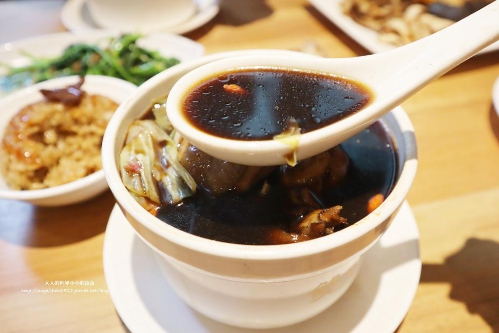 中和美食 新北米其林推薦 Taipei Michelin guide 雙月食品社中和店 養生 雞湯 東石鮮蚵必點  遠東世紀廣場對面 台北米其林小吃餐廳25
