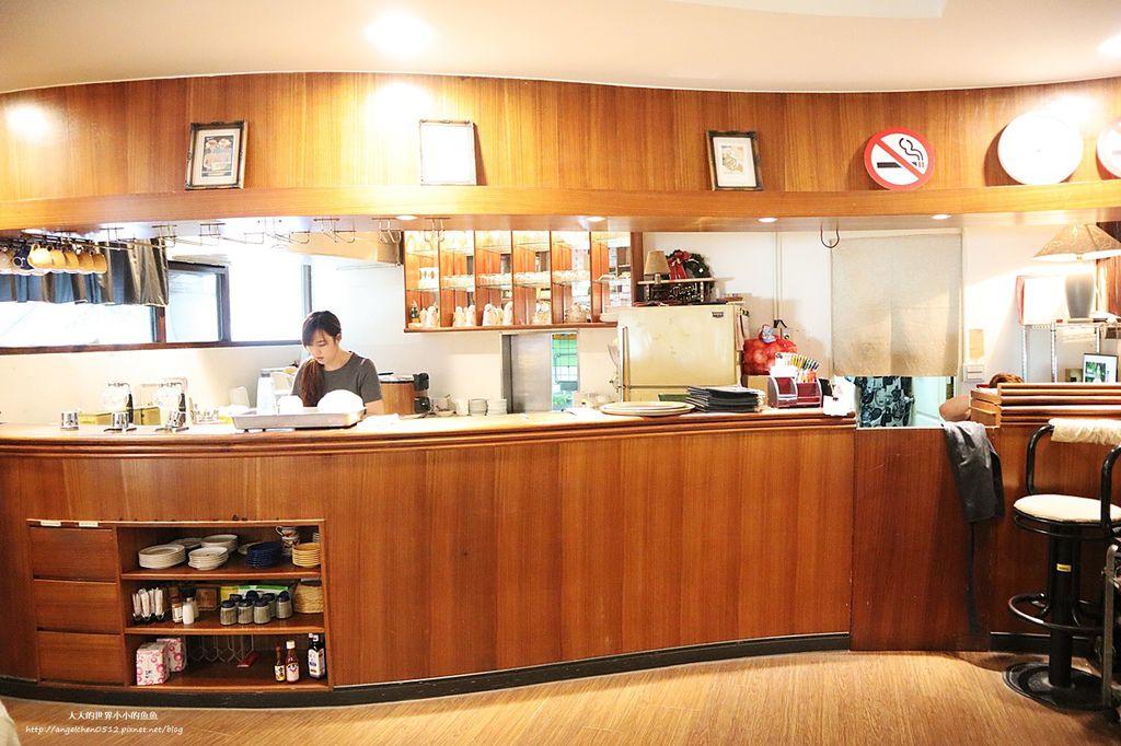 古今中外咖啡-淡大咖啡廳台北淡水餐廳推薦 簡餐下午茶  淡江大學美食 英專路美食推薦  二十年老店 淡大隱藏版美食8