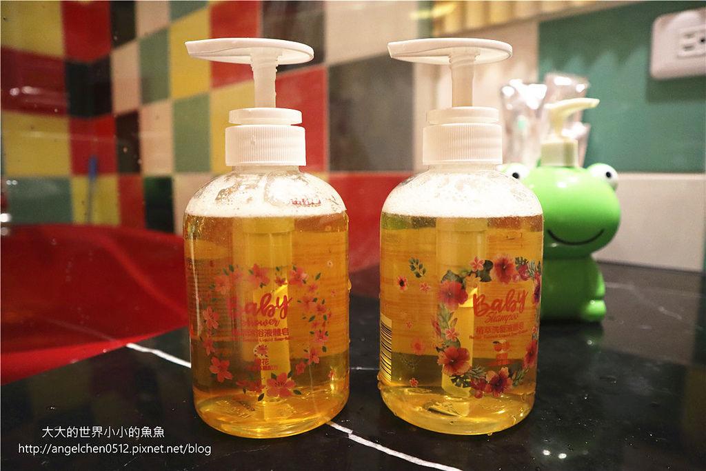 LWYL愛你所愛—女孩禮盒組 植萃液體皂之兒童洗髮沐浴露16