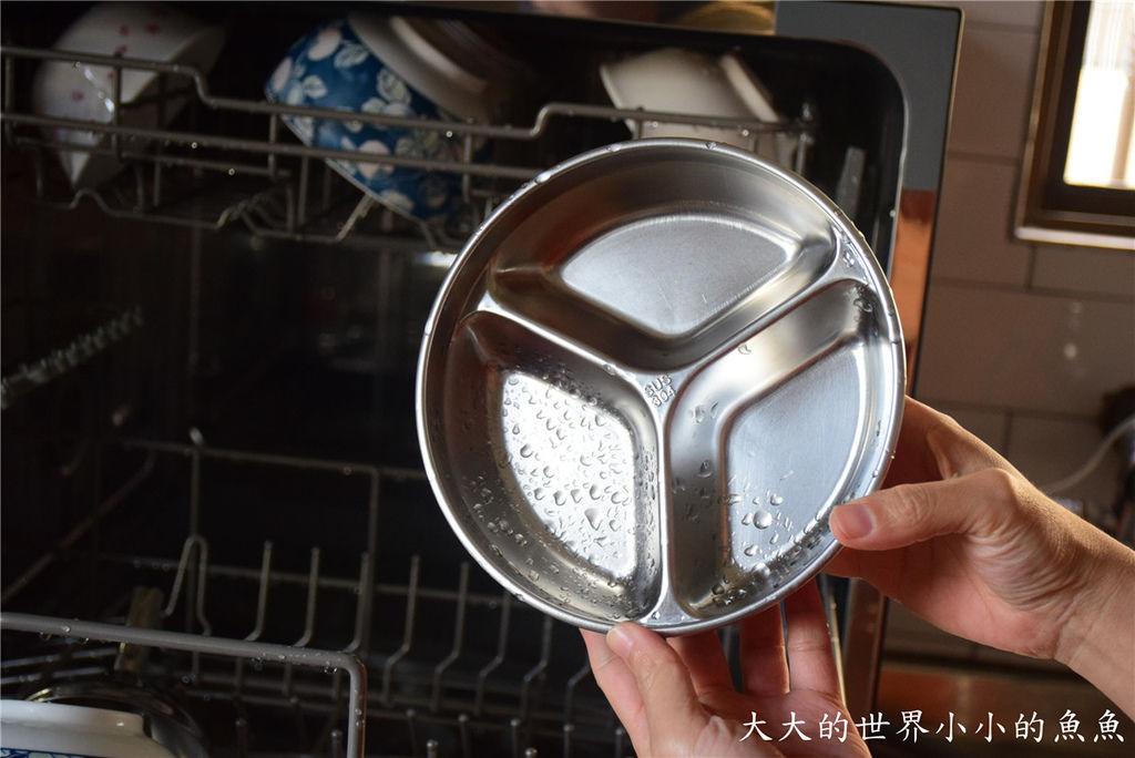 Frigidaire桌上型六人份洗碗機90