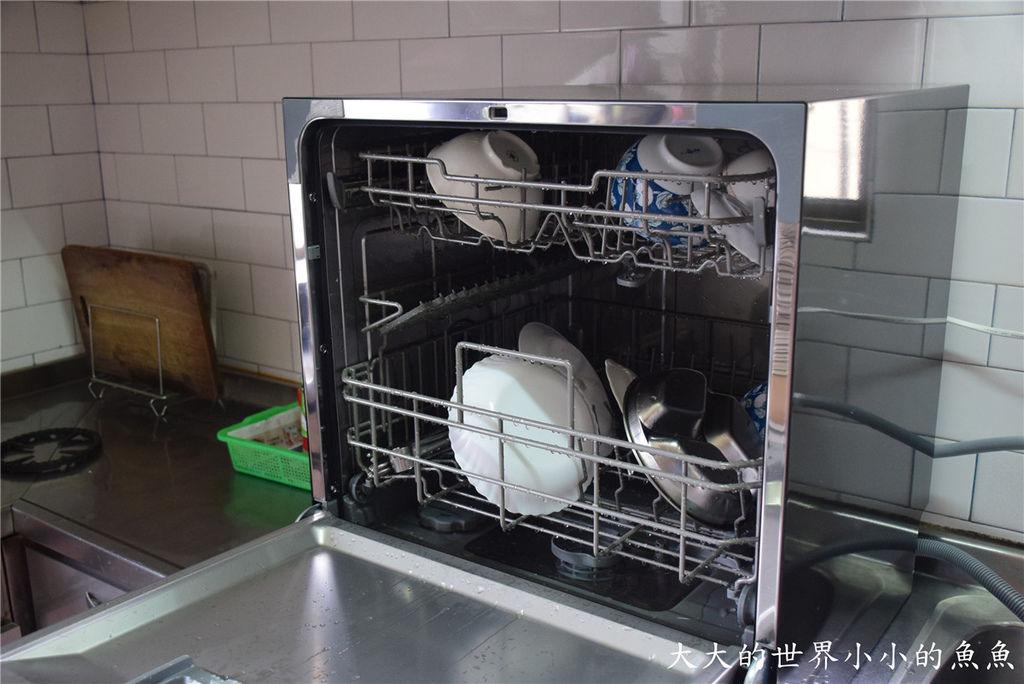 Frigidaire桌上型六人份洗碗機99
